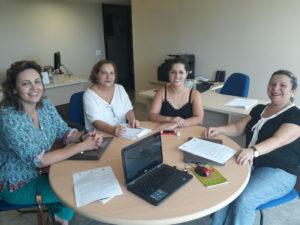 Da esquerda para a direita, Luciane Engel, assessora Técnica do CFESS, Cristina, Conselheira Daniela Moller